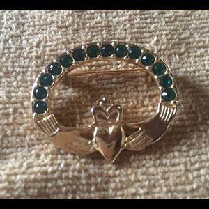 Jewelry - Irish Cladaugh Pin